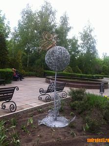 Скульптура из металла. Одуванчик